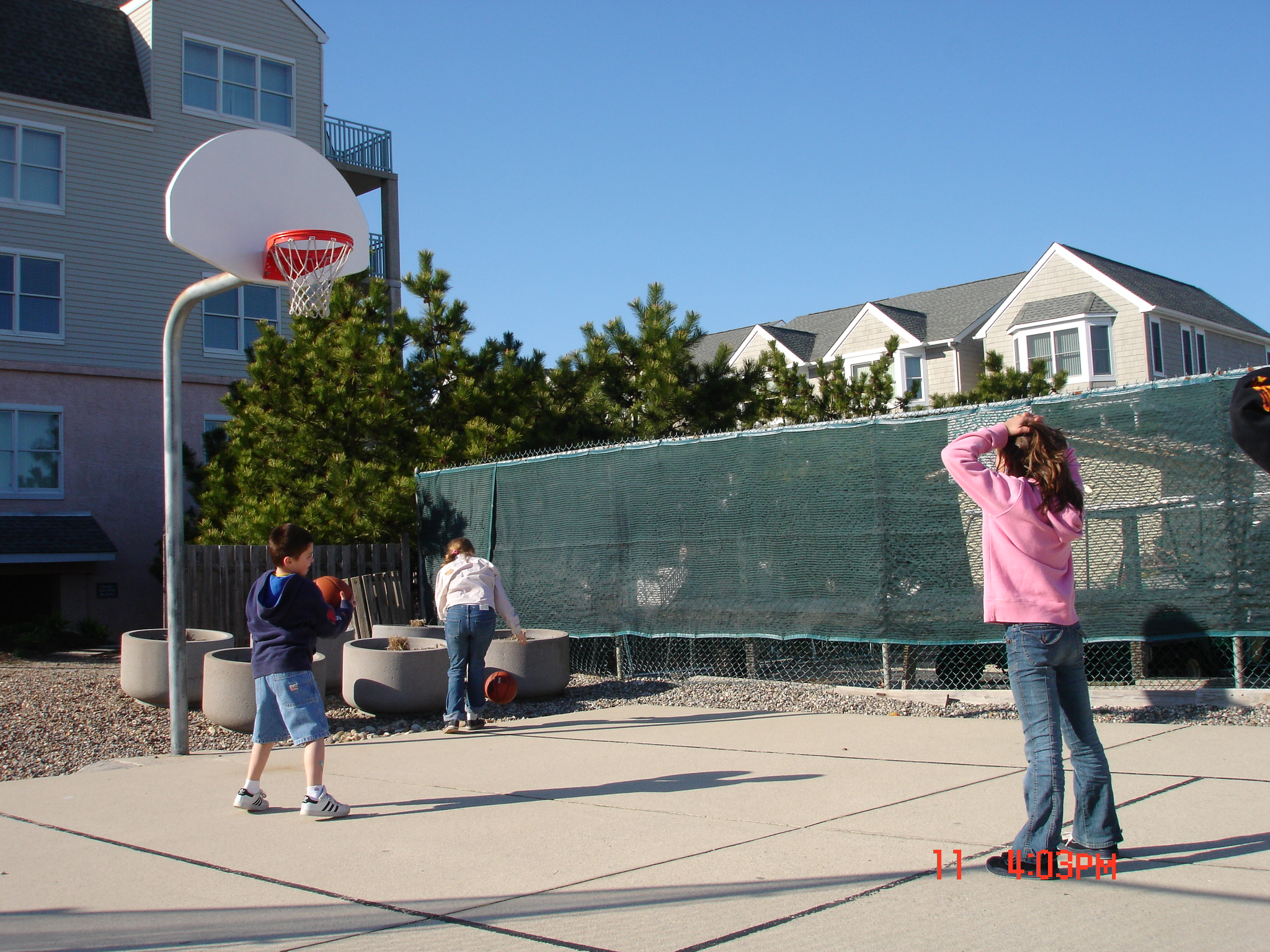 basketball court in Seapoint Village