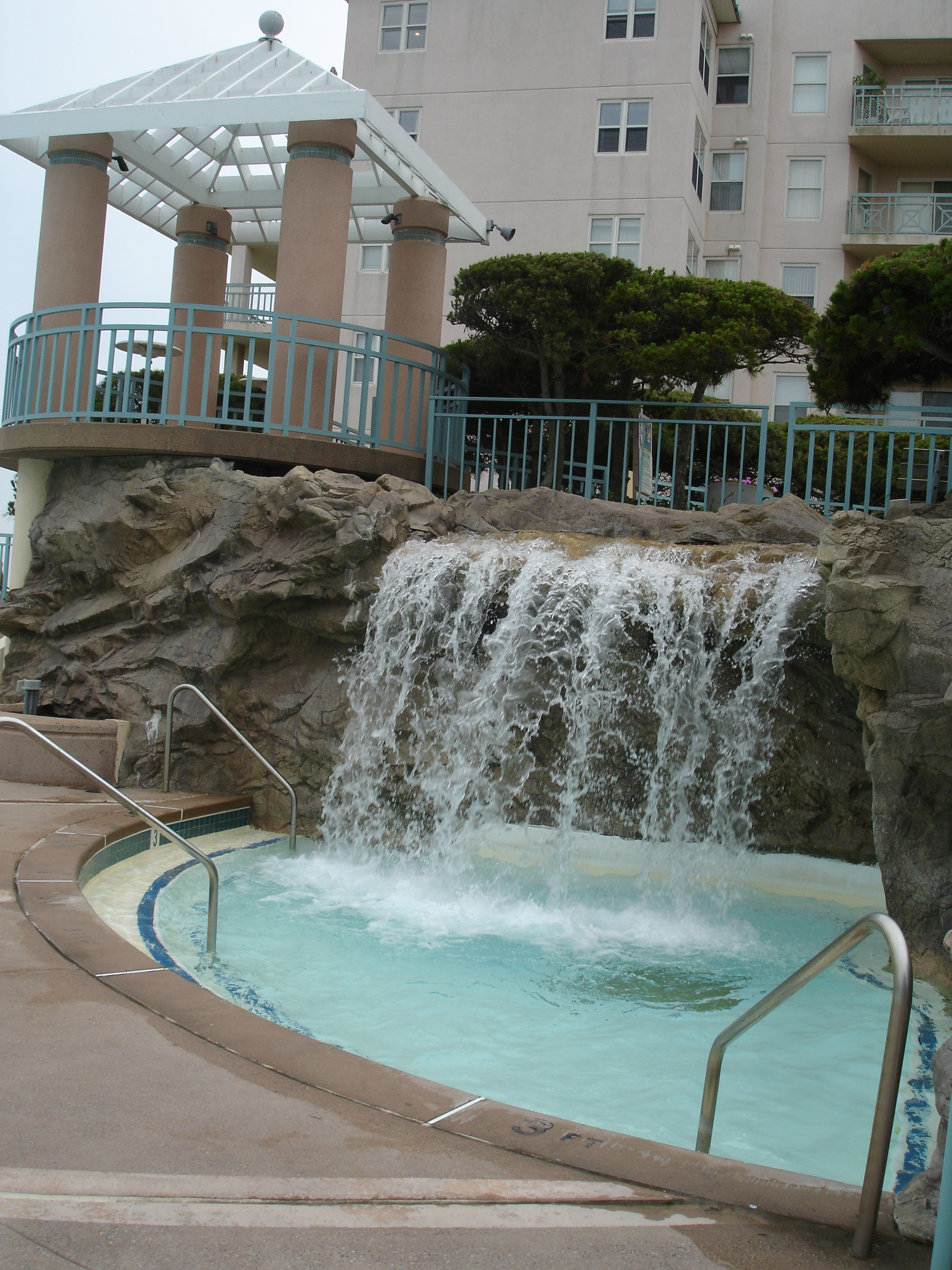 Seapointe Village Wildwood, Main pool waterfall - go in and enjoy!